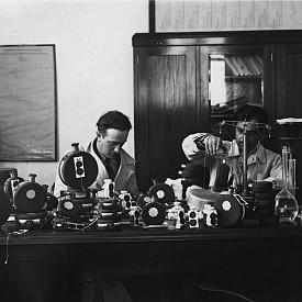 Извличане на розово масло (1935)