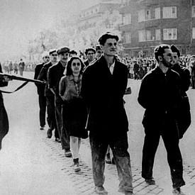 """""""Предатели"""" водени парадно през София (1940)"""