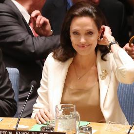 Анджелина Джоли е една от най-харизматичните жени в шоубизнеса.
