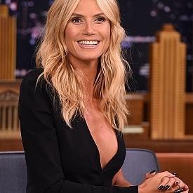 """ХАЙДИ КЛУМ / 43 г. - """"Лице на 40-годишна жена без нито една бръчка изглежда странно. Времето ни променя и това е прекрасно"""", казва немския супермодел, която е на 43. Тя никога не се е подлагала на никакви пластични операции – страхува се, че има риска да се промени твърде много и необратимо."""