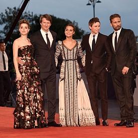 """Амбър Хард с екипа на премиерата на """"Момичето от Дания"""""""