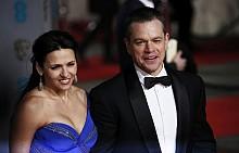Мат Деймън със съпругата си