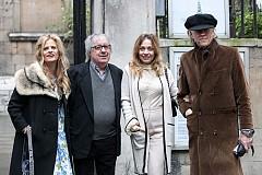 Бил Уайман и Боб Гелдоф със съпругите си