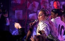 Лейди Гага по време на JOANNE WORLD TOUR