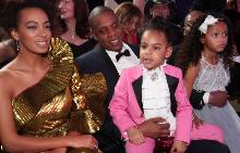 Дъщерята на Бийонсе открадна вниманието към майка си по време на церемонията Grammy
