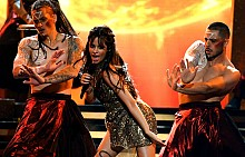 Камила Кабейо на сцената на Billboard Music Awards 2017