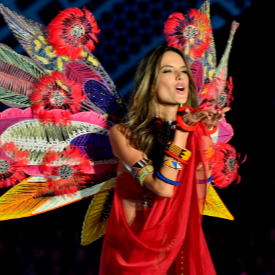 HAPPY BIRTHDAY: Ангелът Алесандра Амброзио днес навършва 38
