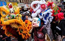 Колоритни кадри от азиатските фестивали по света