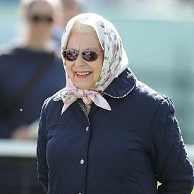 Кралицата не може да бъде арестувана. Освен това всички лични данни на кралското семейство са засекретени.
