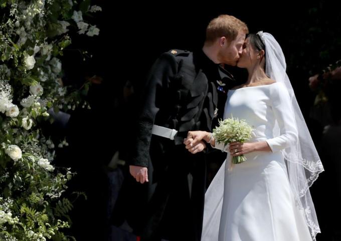 Givenchy сподели всички подробности за сватбената ...
