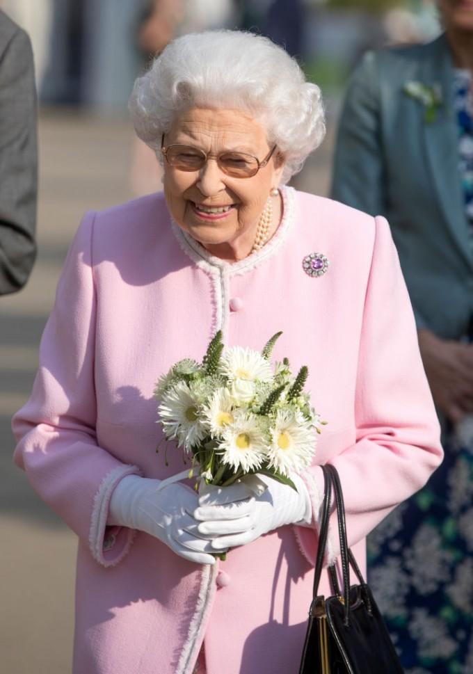 Елизабет II е и глава на Англиканската църква. Това...