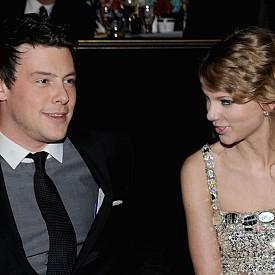 Тейлър с Кори Монтейт - април-май 2010 г.