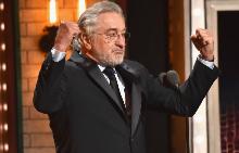 """Робърт де Ниро наруга Тръмп на наградите """"Тони"""" (Видео)"""