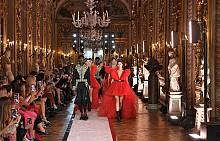 Вижте представянето на Giambattista Valli x H&M в Рим