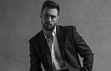 Арън Тейлър-Джонсън е лицето на новия мъжки аромат на Givenchy