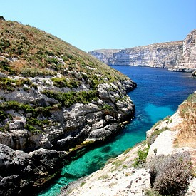 ГОЗО, МАЛТА Вторият по размер остров на малтийския архипелаг с площ около 65 кв. км. - представете си само колко е малък. Може да разгледате всички забележителности на острова само за ден, но красотите му ще помните цял живот.