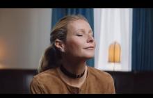 Гуинет Полтроу ни трогва в късометражен филм на марка за бижута