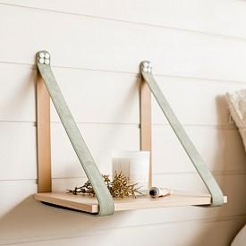 Когато нямате достатъчно място за шкаф на земята, винаги можете да го закачите за стената. Идеята е на H&G Designs (www.handgdesigns.com)