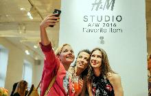 Отново се влюбихме в есента с колекцията на H&M Studio AW16