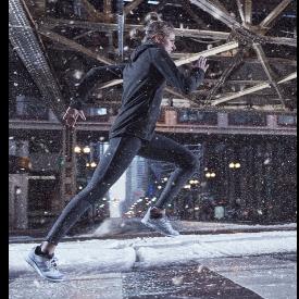 Най-топлата, най-леката и най-дишаща колекция за спорт. Дори в снега!