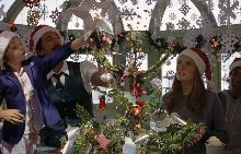 """Уес Андерсън режисира """"Come Together"""" за H&M Holiday през 2016"""