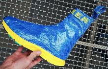 Balenciaga реши да заложи и на обувки IKEA