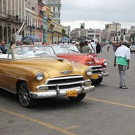 Ретро автомобилите са една от най-големите атракции в Куба