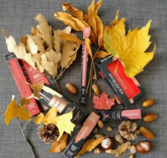 Съкровища от есента и от Smashbox! Всяка от опаковките...