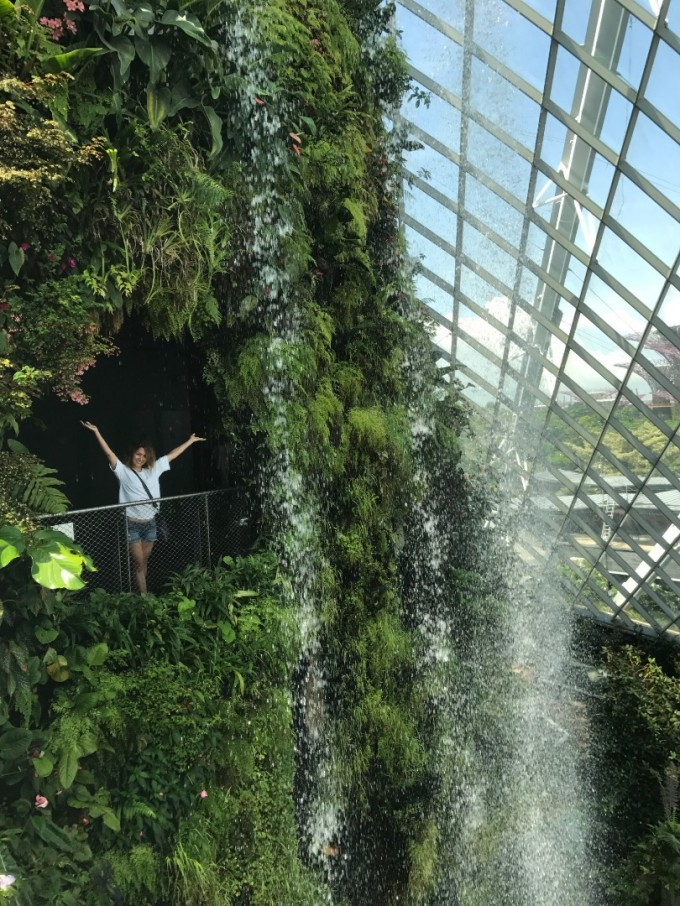 Милена Кръстева в ботаническите градини в Сингапур
