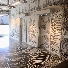 """Стенописите с дизайн на Ели Пиронкова в Университета """"Лойола Меримаунт"""""""