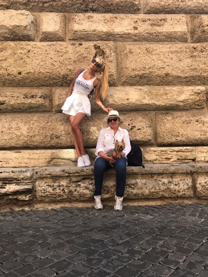 Венета Харизанова с майка си в Рим