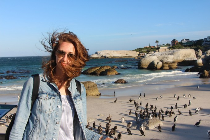 Анна Великова на Boulders Beach – защитеният плаж с пингвините в Simon's Town
