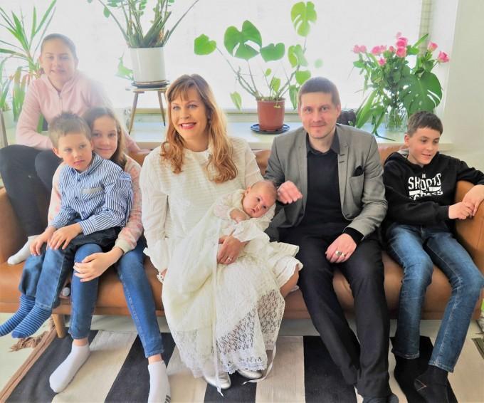 Семейството на Тару