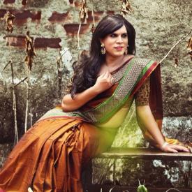 Дизайнер от Индия снима транссексуални в реклама на сари