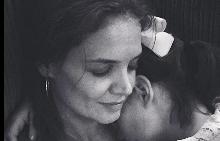 Кейти Холмс сподели в Instagram мил момент със Сури