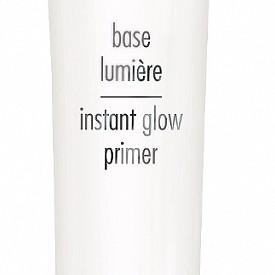 Професионален праймър за мигновено озаряване Instant Eclat от SISLEY, който изглажда текстурата на кожата, оптимизира отразяването на светлината и придава на грима сияние. С коктейл съставки за енергизиране, тонизиране и хидратация на кожата.