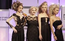 Йоанна Цани с модели