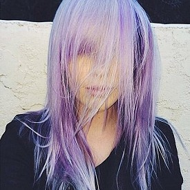 Неонови коси – тенденция ли е?