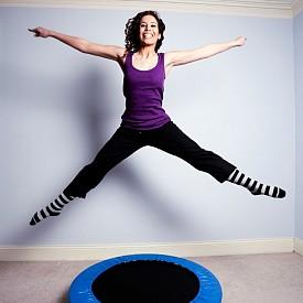 Лъв: Скачане на батут  Какво е това: Докато скачате. на малък батут,  изпълняват различни видове упражнения за цялото тяло.   Защо е подходяща за тази зодия: Носи чувство за удовлетвореност от усвояването на технически сложните упражнения.