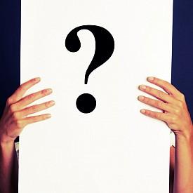 Задайте си три въпроса. 1. Кои са трите неща, за които сте благодарни? / 2. Кои са 5-те приоритета в живота ви точно в този момент? / 3. Какво чувствате в момента?