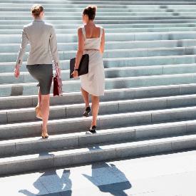 Качете се по стълбите!
