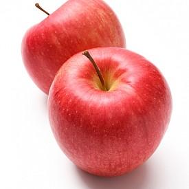 ЯБЪЛКИ Най-добре е сутрин. В кората на ябълката се съдържа пектин, който помага за работата на стомаха и предотвратява запек. Освен това е неутрализира канцерогените.   Най-лошо е през нощта. Ябълките повишава киселинността, което води до дискомфорт. През нощта пектинът обременява храносмилателната система.
