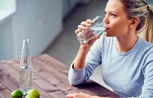 5 прости правила как да пиете повече вода през лятото