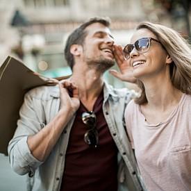 """Опитвате се да го промените!  Мари Форлео в една от книгите си """"Ти, богинята! Как да побъркаш един мъж"""" споменава за една от безусловните потребности на всеки мъж – да бъде приеман безусловно. Изборът на мъж тя сравнява с избора на стоки в магазина – свободни сме да избираме, но трудно можем да заменим, както и да подобрим вече закупената стока. Всеки подобен опит води до катастрофа. Най-малкото до разочарование."""