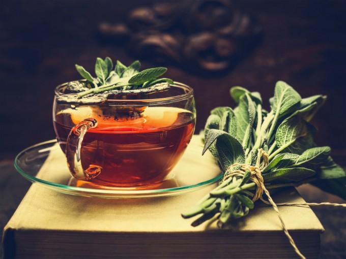6 полезни добавки към чая