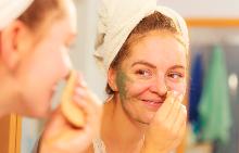 Може да премахнете мазния блясък на кожата на лицето и без козметика