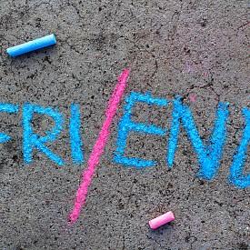 10 сигурни начина да съсипете едно приятелство