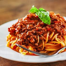 Спагети – за предпочитане е да са пълнозърнести, а сосът да е болонезе. Комбинацията ще възвърне енергията, силите и желязото в организма ви.