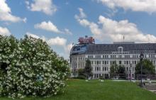 Сградата на хотела в сегашни дни