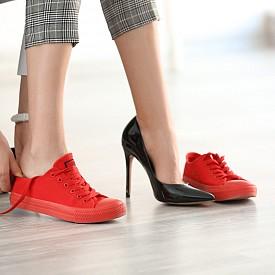 Равни обувки или на ток?